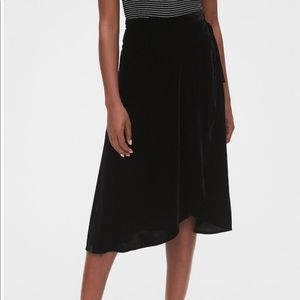 NWOT Gap Velvet Wrap Midi Skirt